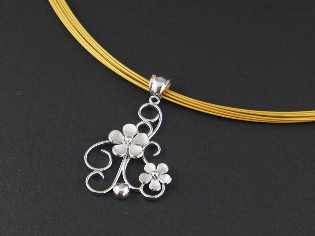 唐草に花ネックレス Arabesque with flowers necklace